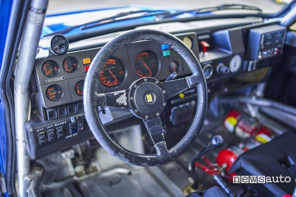 Renault R5 Maxi turbo interni 1985