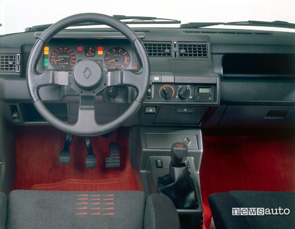 Renault 5 GT Turbo Interni 1985