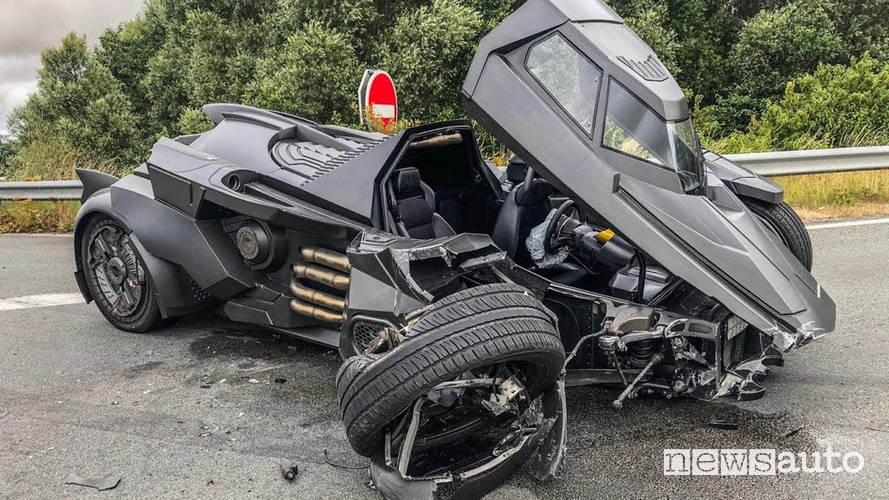 batmobile incidente lamborghini Youtuber