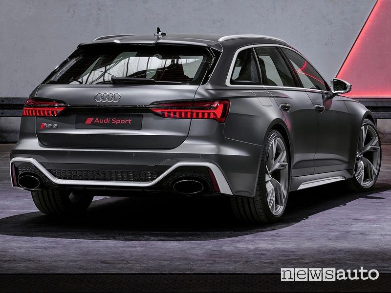 Nuova Audi RS6 Avant 2020 vista posteriore