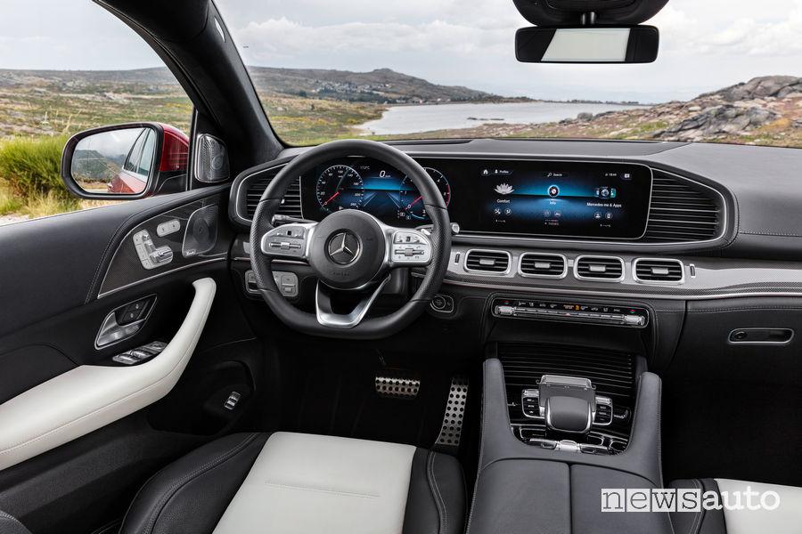 Mercedes-Benz GLE Coupé 2019 plancia strumenti