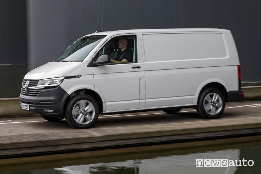 Volkswagen Bulli 6.1 Transporter vista laterale