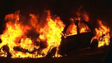 Photo of L'auto prende fuoco con fiamme anche quando è parcheggiata
