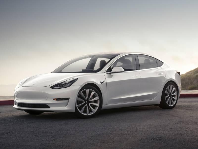 Tesla Model 3 auto elettrica più venduta a giugno 2020