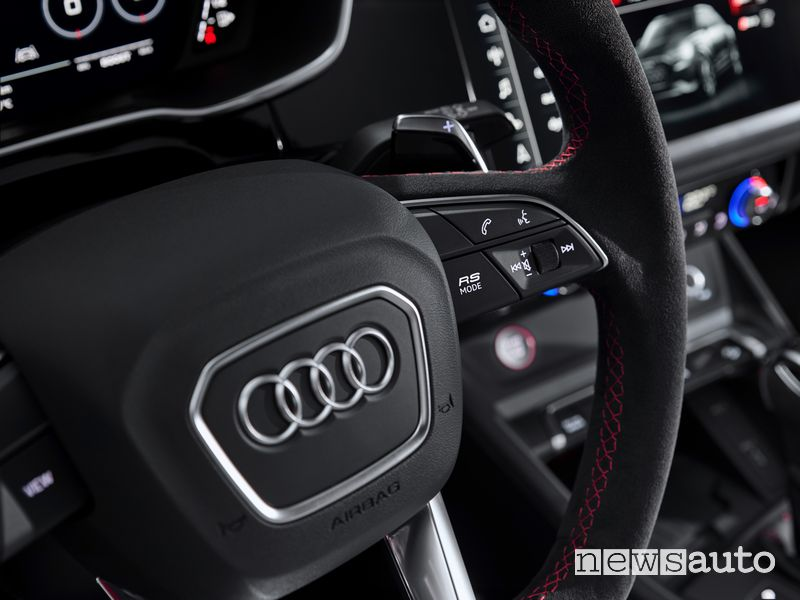 Tasto RS Mode volante sportivo Audi RS Q3