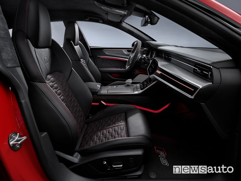 Sedili sportivi in pelle anteriori nuova Audi RS7 Sportback 2020