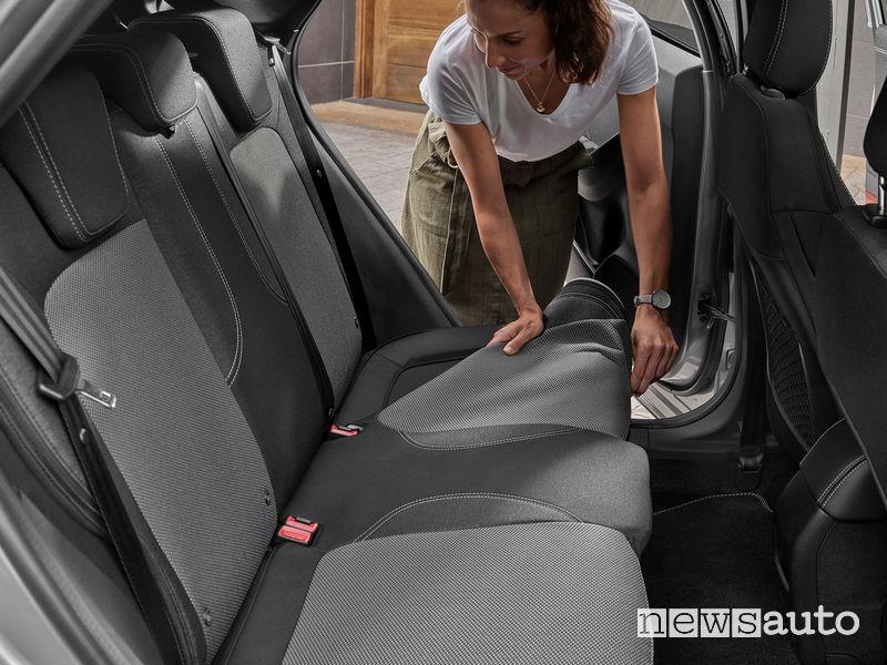 Sedili posteriori con rivestimenti rimovibili e lavabili Ford Puma Titanium X