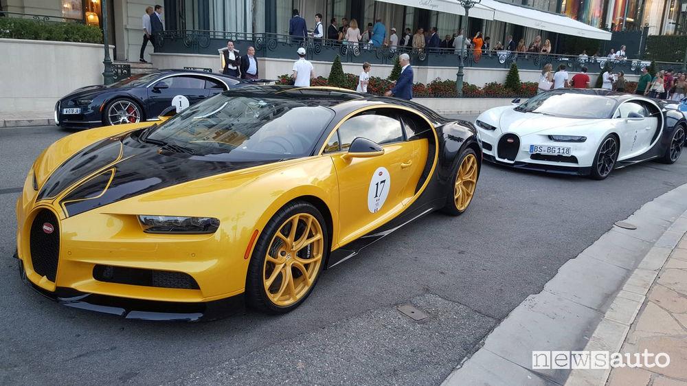 Bugatti Chiron Giallo oro/Nero arrivo del Gran Tour a Montecarlo