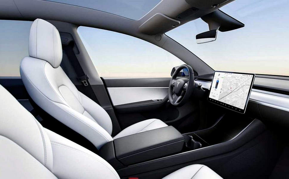 abitacolo Suv Model y interno
