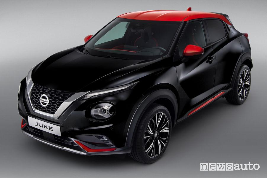 Nissan Juke 2020 nero vista di profilo