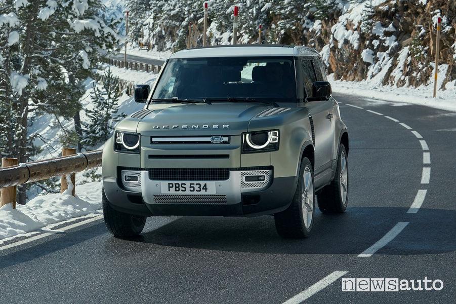 Nuovi fari a LED sul nuovo Land Rover Defender 90 2020
