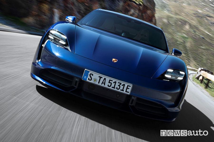 Porsche Taycan Turbo frontale