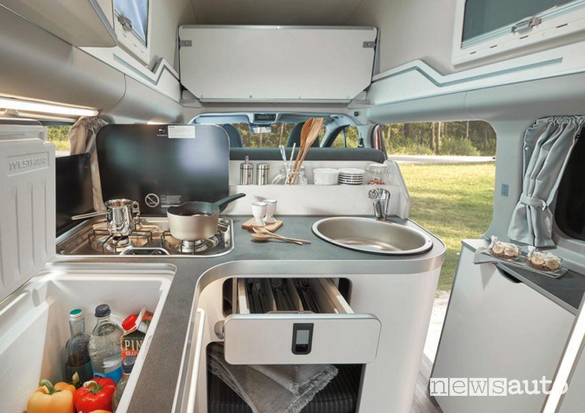 abitacolo zona giorno camper Ford Transit Custom Nugget