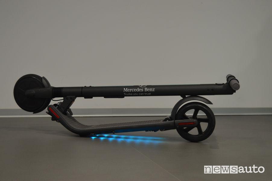 Telaio ripiegato monopattino elettrico Mercedes Ninebot by Segway