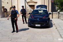 Photo of Carabinieri con l'auto elettrica a Matera