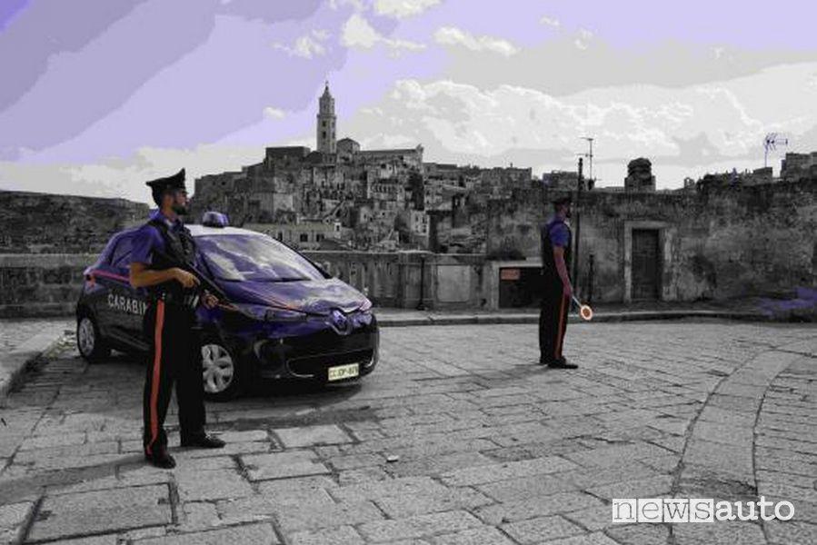 Carabinieri auto elettrica Renault Zoe Matera