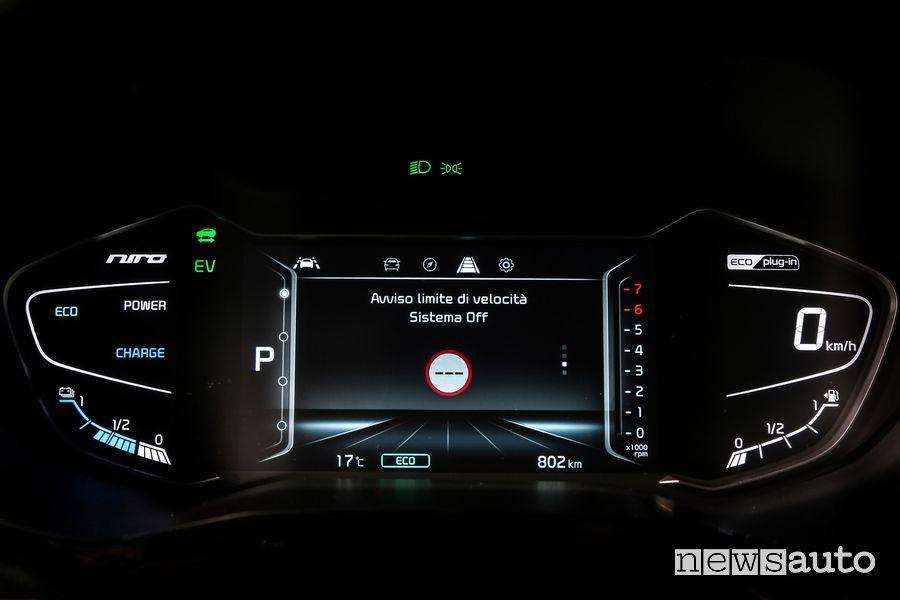 Quadro strumenti schermata aiuti alla guida Kia Niro Hybrid Plug-In PHEV