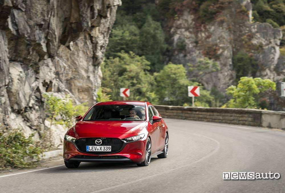 Prova su strada Mazda3 Skyactiv-X