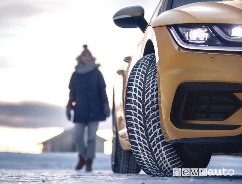 Battistrada pneumatico invernale Nokian WR Snowproof VW Arteon