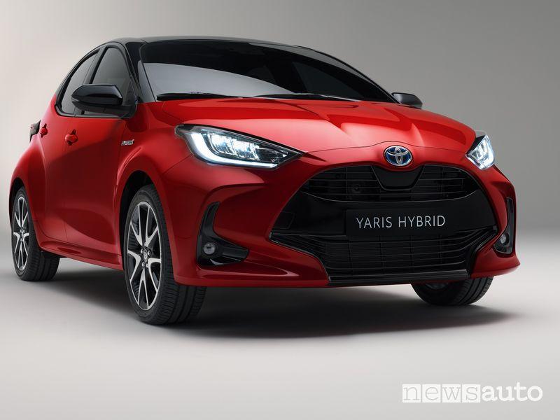 Paraurti anteriore, fari a led Toyota Yaris 2020