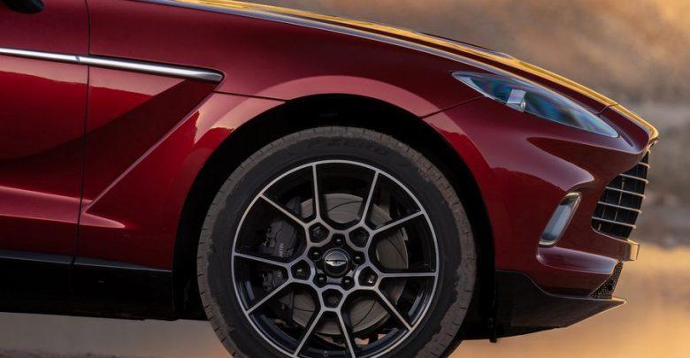 Cerchi in lega, impianto frenante Aston Martin DBX