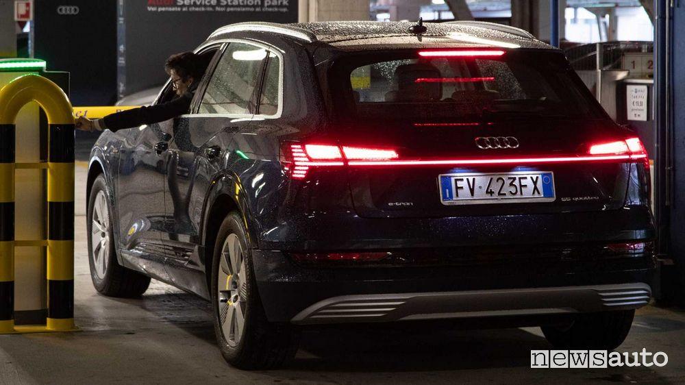 Arrivo all'aeroporto di Bologna per il service Audi