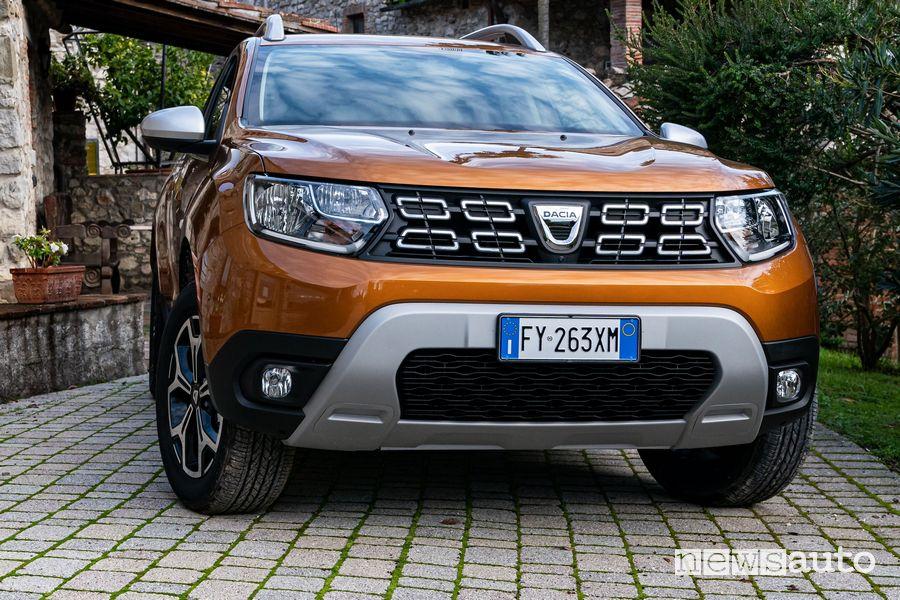 Vista anteriore Dacia Duster benzina TCe 100