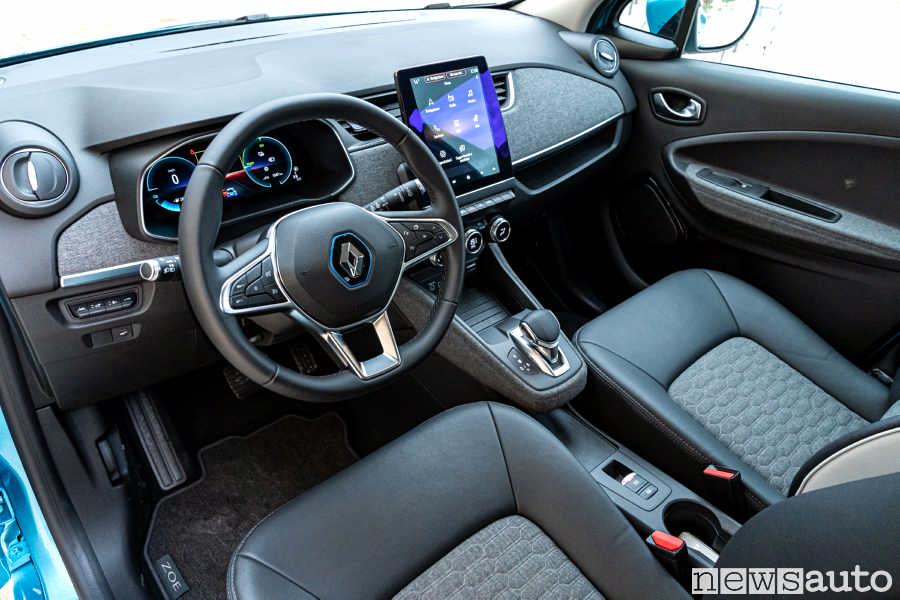 Abitacolo rinnovato nuova Renault ZOE 2020, nuovo cruscotto, nuovo sistema multimediale