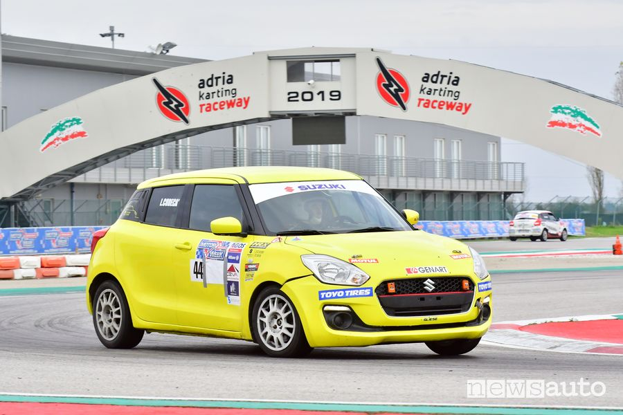 Lorenzo Codecà al volante della Suzuki Swift R1 all'Adria Motor Week 2019