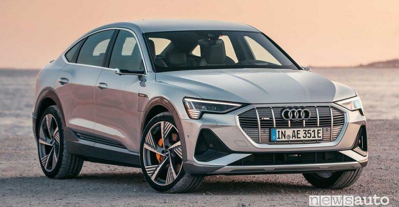 Vista di profilo Audi e-tron Sportback