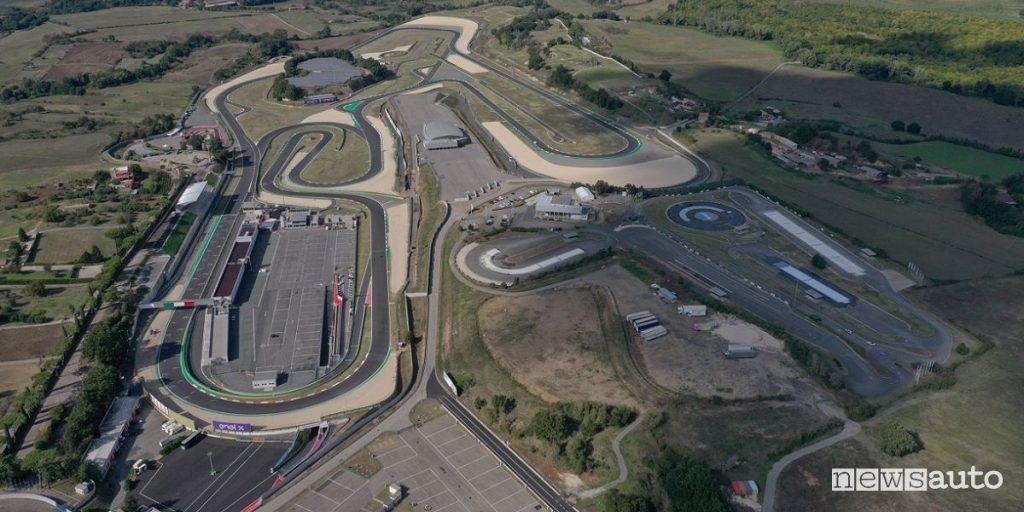 Vista aerea autodromo di vallelunga dove si corre una gara del ETCR 2021, tappe e gare