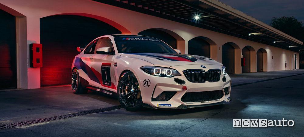 BMW M2 CS Racing fari e paraurti sportivo