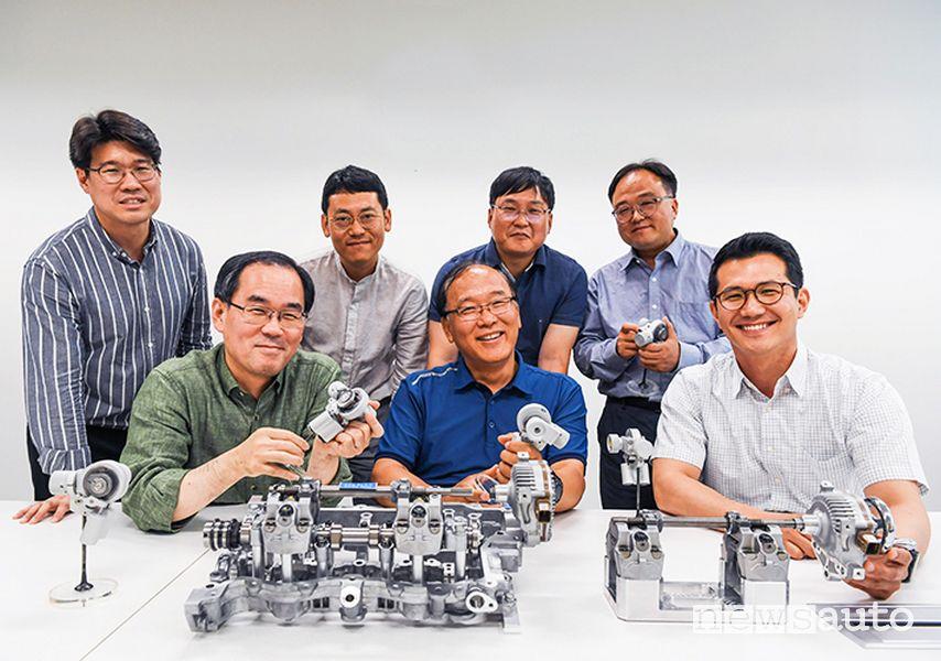 Il team di ingegneri che ha sviluppato la tecnologia Hyundai CVVD fasatura variabile