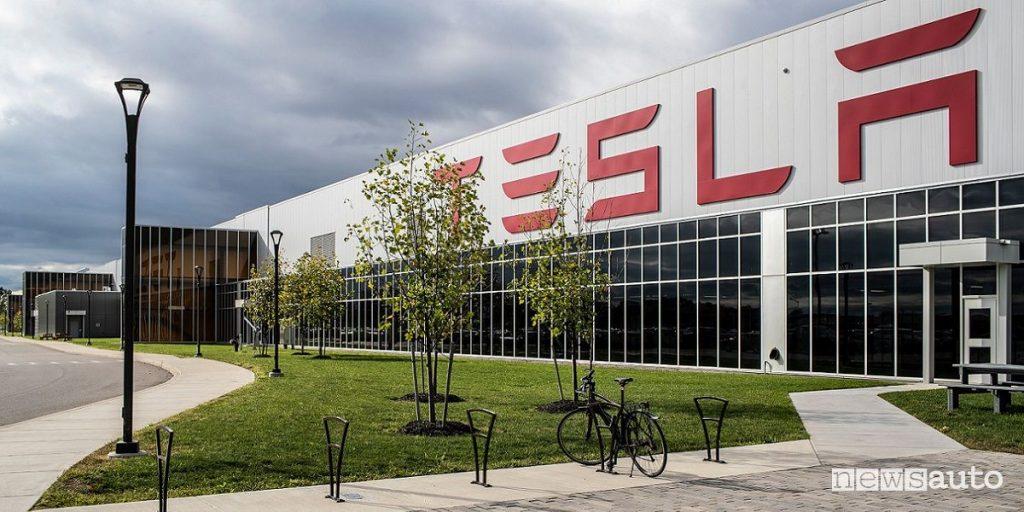 Alla Gigafactory Tesla si producono ventilatori polmonari