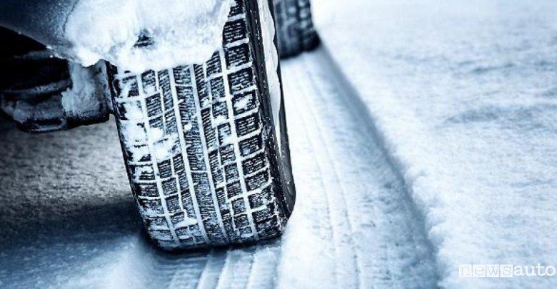 Obbligo catene da neve e pneumatici invernali Lazio