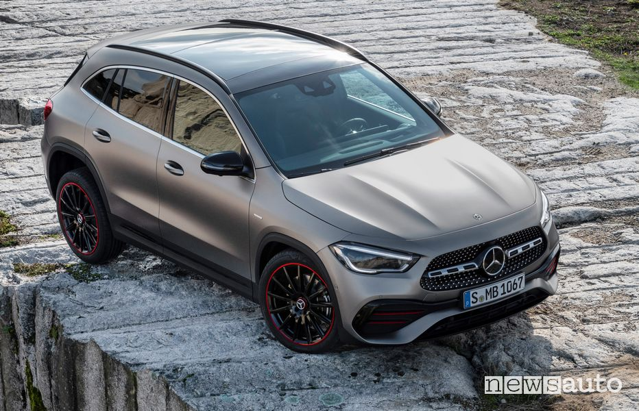 Tetto panoramico Mercedes-Benz GLA 2020 AMG Line