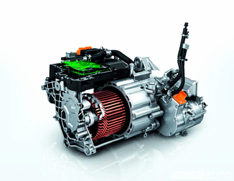 Motore di un'auto elettrica Peugeot e-208