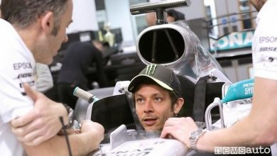 Photo of Valentino Rossi in F1, test sulla Mercedes di Hamilton
