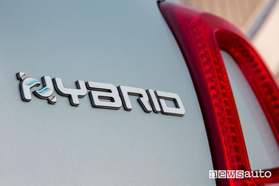 Logo Hybrid sul portellone posteriore Fiat 500 Hybrid Launch Edition