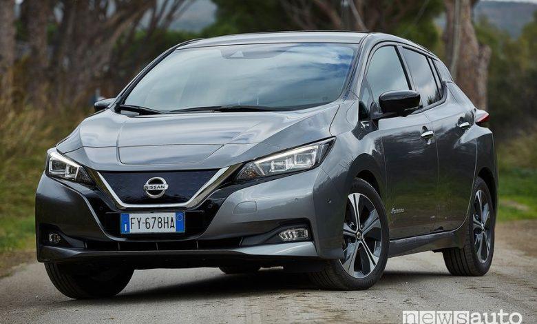 Vista anteriore Nissan Leaf e+