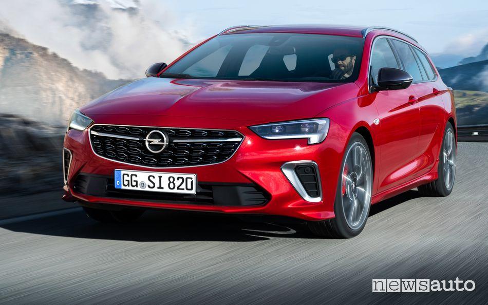 Vista anteriore Opel Insignia GSi Sports Tourer 2020