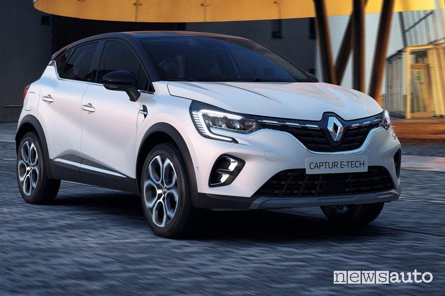 Vista di profilo Renault Captur E-TECH Plug-in