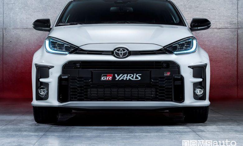 Frontale, calandra anteriore Toyota GR Yaris