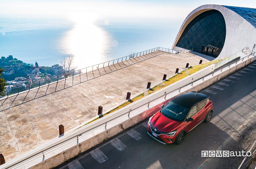 Auditorium di Ravello e Renault Captur 2020