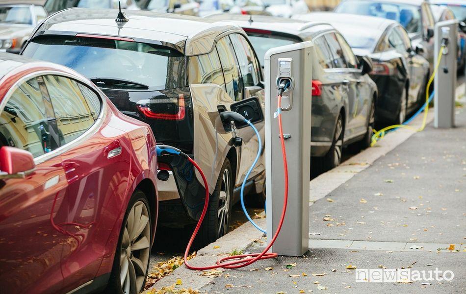 punti ricarica auto elettrica città