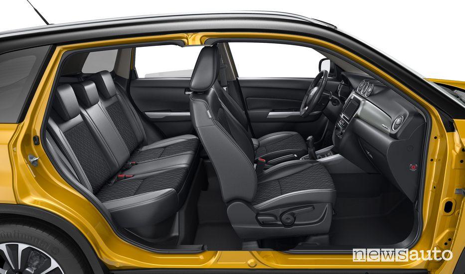 Interni, sedili Suzuki Vitara Hybrid