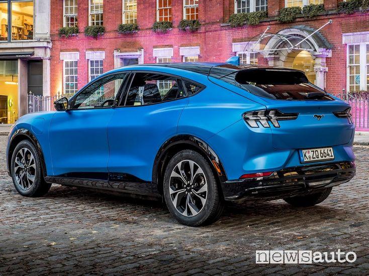 Ford Mustang Mach-E prezzi