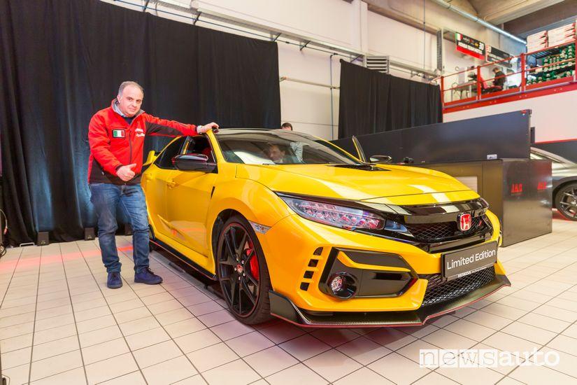 Honda Civic Type R Limited Edition con Giovanni Mancini