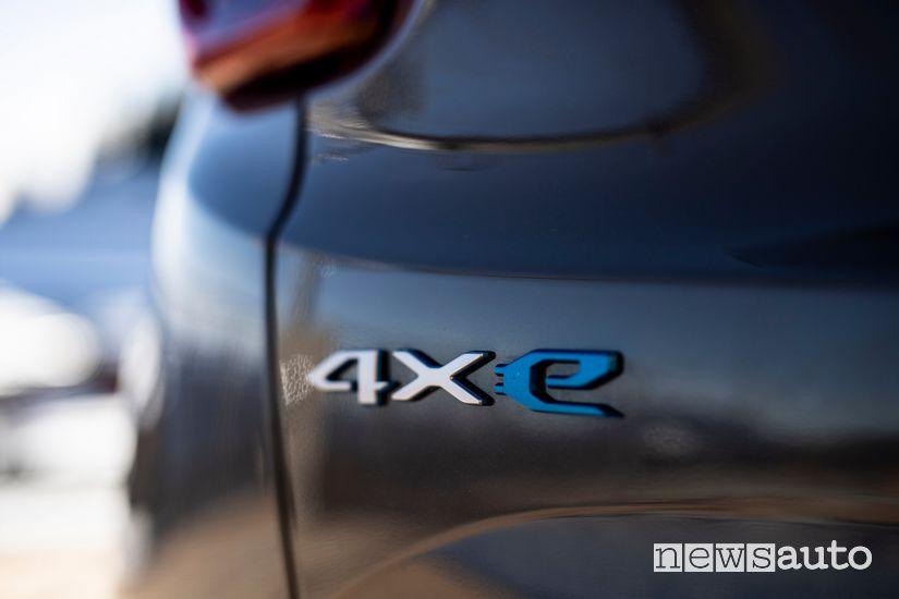 Badge 4xe sul portellone posteriore della Jeep Renegade PHEV