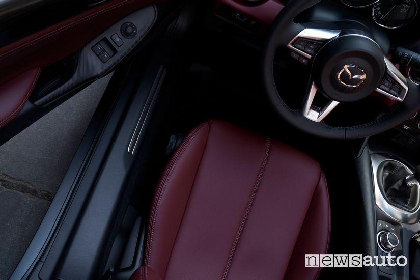 Volante, abitacolo Mazda MX-5 2020